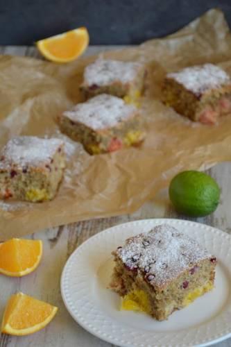 Ciasto owocowe z dominującą nutą cytrusów