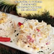 Sałatka z ryżem i selerem konserwowym na słodko