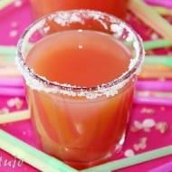 Salty dog - drink z wódką i sokiem grejpfrutowym