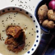 Zupa krem z topinamburu i quinoy z boczniakami à la chrupiący boczek (bez glutenu, bez laktozy, wegańska)