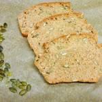 Chleb orkiszowy z pestkami dyni
