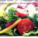 Sałatka z pomidorkami, papryką i dressingiem