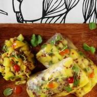 Spring rolls z czerwoną quinoą i salsą z mango