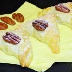 Francuskie rożki z marmoladą i orzechami pekan