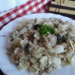 Łazanki z mięsem mielonym i kapustą kwaszoną z grzybami.