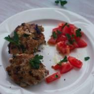 Burgery z piersi indyka z cukinią i suszonymi pomidorami