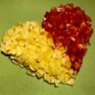 Kolorowe kotlety drobiowe z serem żółtym.