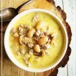 Zupa fasolowa z mięsem mielonym, pieczarkami i porem