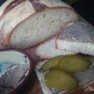 Chleb z Garnka Żeliwnego - Łatwy i Długo Świeży