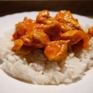 Kurczak w pomidorach z curry