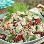 Ryżowa sałatka z kurczakiem i cykorią
