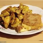 Smażony ser z zapiekanymi ziemniaczkami
