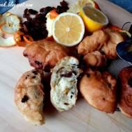 Holenderskie pączki z rodzynkami i pomarańczą