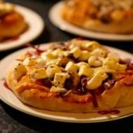 Mini pizze z oliwkami i serem fetta