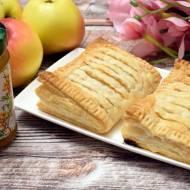 Ciasto francuskie z jabłkami i dżemem