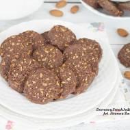 kruche ciasteczka kakaowe z migdałami