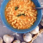Szybka zupa z ciecierzycy z puszki