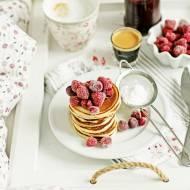 Pancakes na maślance z owocami