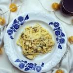 Spaghetti śmietankowe z kurczakiem i szpinakiem