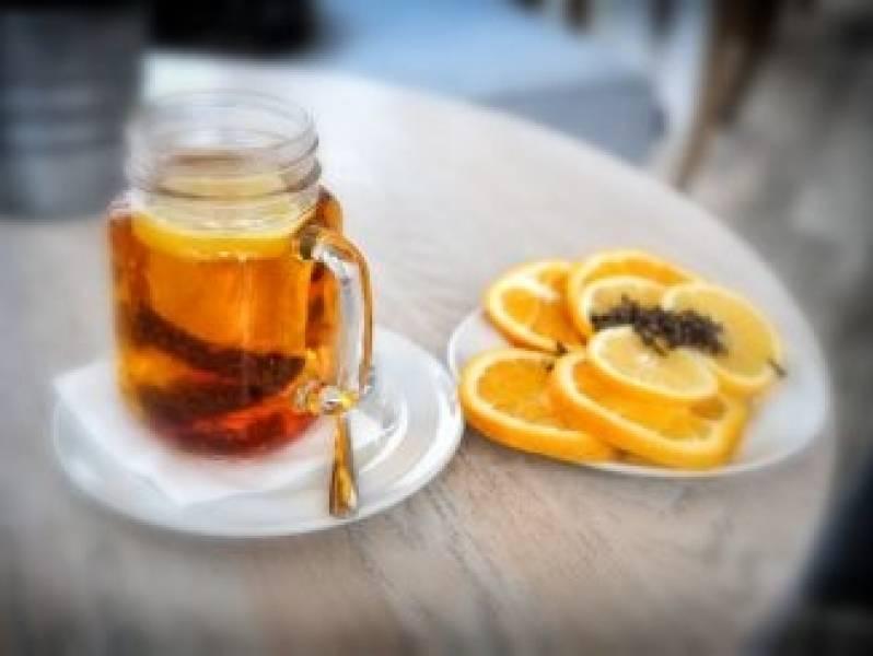 Jak przygotować rozgrzewającą herbatę z imbirem