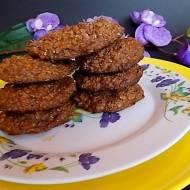 Ciastka owsiane bez cukru i tłuszczu, a mimo to delikatne i słodkie.