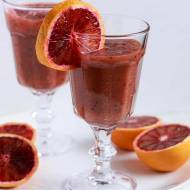 Oczyszczający, odchudzający i uodporniający koktajl z kiwi, selera naciowego i czerwonej pomarańczy