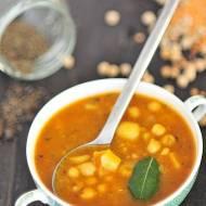 Zupa z ciecierzycą i ziemniakami
