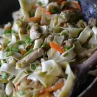 Kurczak z makaronem i warzywami