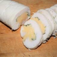 Rolada drobiowa z serem i bazylią