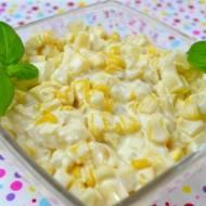 Sałatka z żółtym serem, kukurydzą i ananasem + film