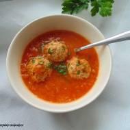 Zupa z czerwonej soczewicy z pulpetami