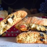 Biscotti z suszonymi wiśniami i nerkowcami