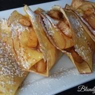 Pomarańczowe Naleśniki z Karmelizowanymi Jabłkami