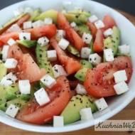 Sałatka zawokado, pomidorem iserem