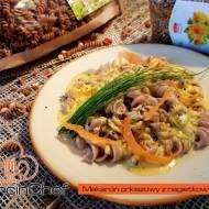 Sos nagietkowy – pomysł na orkiszowy makaron