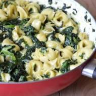 Tortellini w sosie szpinakowym – szybki obiad!