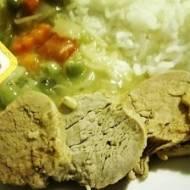 Marynowana polędwiczka wieprzowa z sosem czosnkowym
