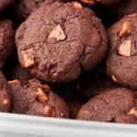 Ciasteczka kakaowe z kawałkami czekolady