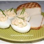 Jajka fazszerowane wędzonym białym serem