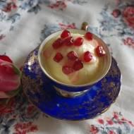 Domowe lody różane z pestkami granatu