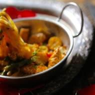 Indyk w sosie tajskim z makaronem ryżowym