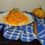 Makaron z sosem dyniowym