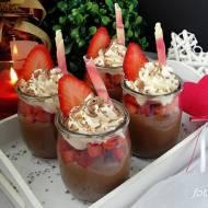 Serniczki z nutellą i truskawkami