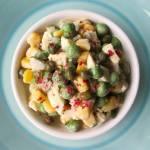 Sałatka jarzynowa z kaparami w sosie tuńczykowo-majonezowym na przystawkę
