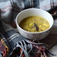 Kremowa zupa ziemniaczana z ciecierzycą i porem
