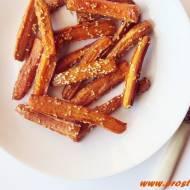 Pieczone marchewki z sezamem, przyprawami i miodem (bez glutenu)