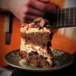Prosty tort orzechowo - ciasteczkowy