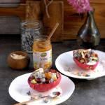 Super food na śniadanie - budyń jaglany z rokitnikiem, galaretką z granatu, awokado i kurkumą
