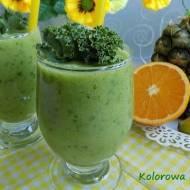 Zielony koktajl - jarmuż,pomarańcza,ananas i banan
