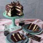 OBŁĘDNY TORT CZEKOLADOWY Z KREMEM O SMAKU AJERKONIAKU I WAFELKÓW LUSETTE